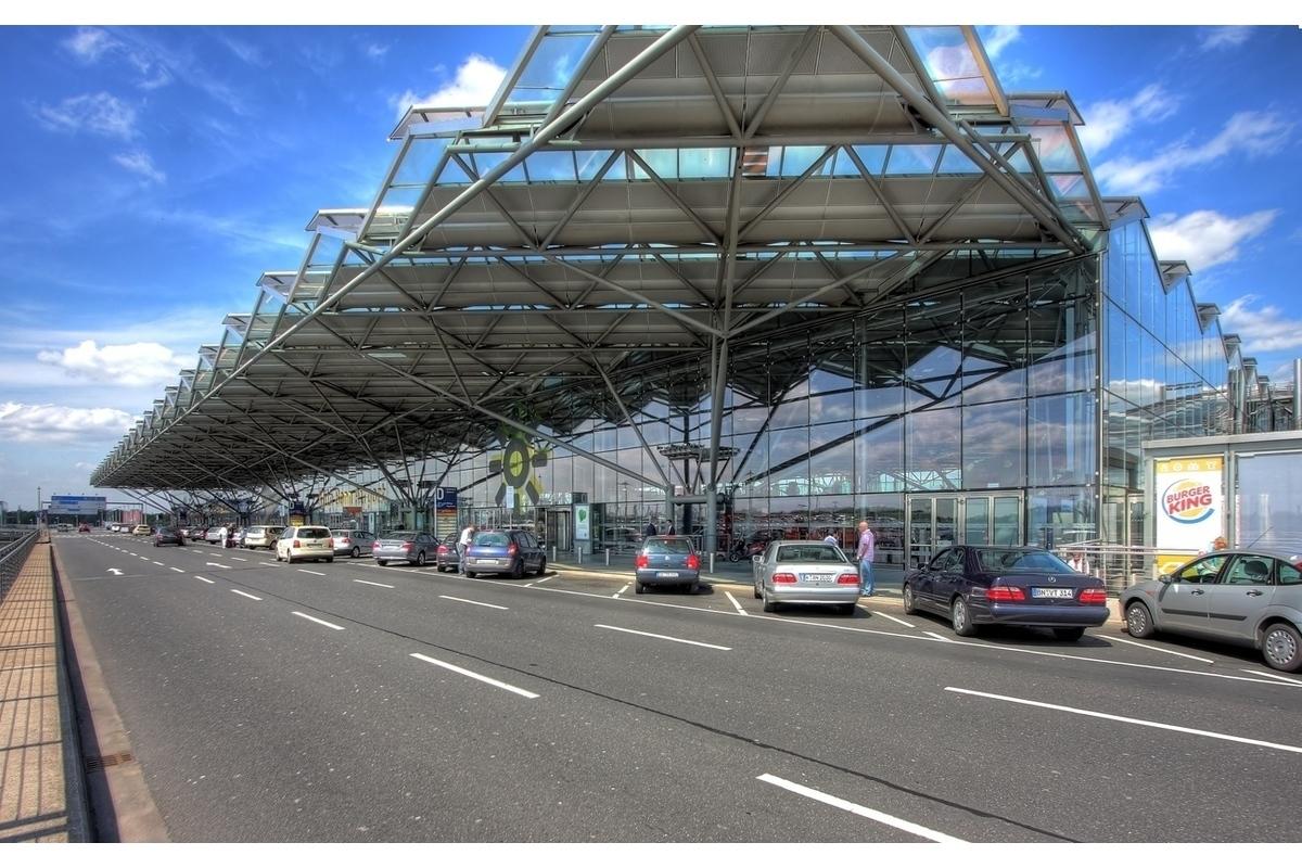 Taxi Amsterdam Cologne Bonn Airport-