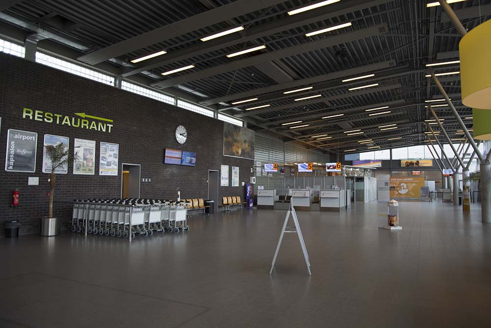 groningen airport terminal