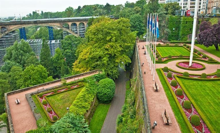 place-de-la-constitution-luxemburg