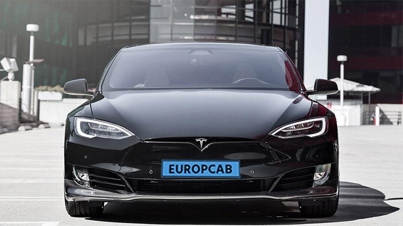 Tesla Taxi Amsterdam